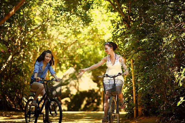 kamarádky na kolech